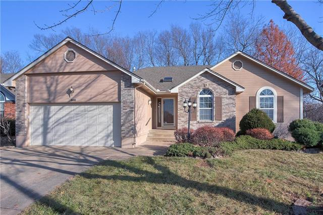 800 NE Ridge Creek Drive, Blue Springs, MO 64014 (#2141755) :: No Borders Real Estate