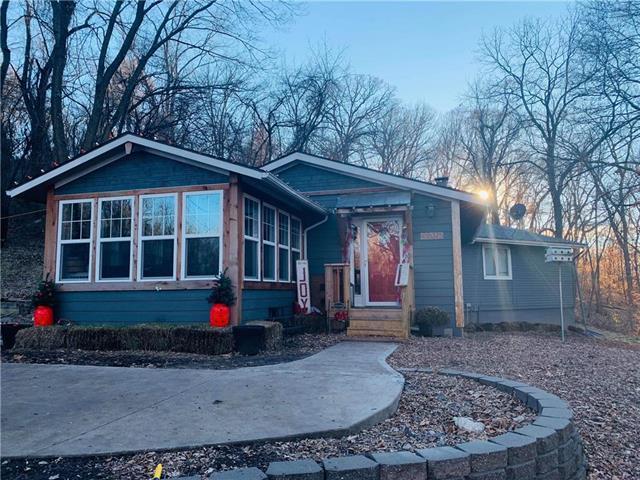 18375 NW Jones Myer Road, Kansas City, MO 64153 (#2141768) :: Team Real Estate