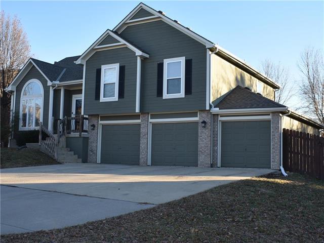 21311 W 54TH Terrace, Shawnee, KS 66218 (#2141778) :: NestWork Homes