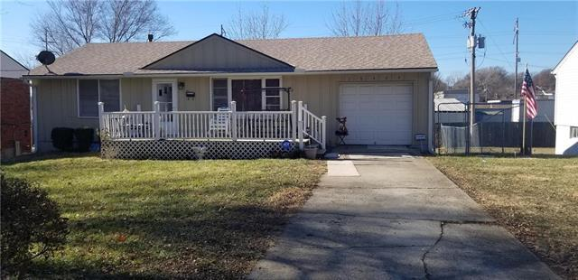 13424 Spring Street, Grandview, MO 64030 (#2141783) :: The Shannon Lyon Group - ReeceNichols