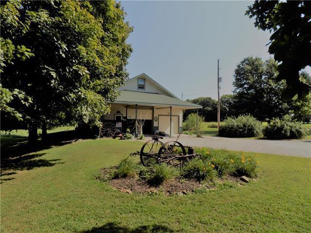 95 E 1300 Road, Baldwin City, KS 66006 (#2141791) :: Kedish Realty Group at Keller Williams Realty