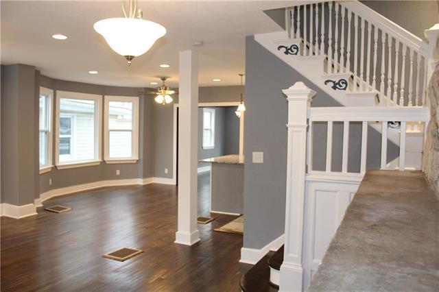 3624 Tracy Avenue, Kansas City, MO 64109 (#2141869) :: No Borders Real Estate