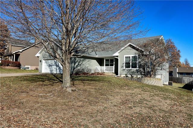 1707 Aspen Lane, Excelsior Springs, MO 64024 (#2141889) :: Edie Waters Network