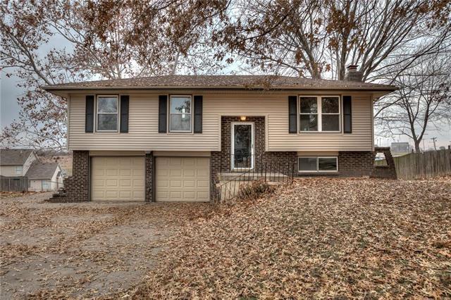 615 Zay Drive, Excelsior Springs, MO 64024 (#2142101) :: Kansas City Homes