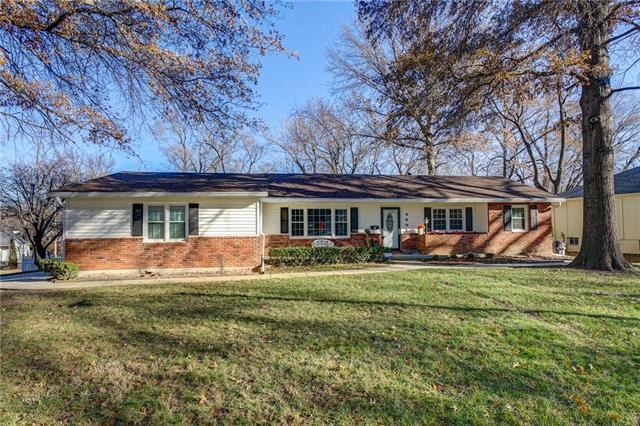 9801 Pennsylvania Avenue, Kansas City, MO 64114 (#2142106) :: No Borders Real Estate