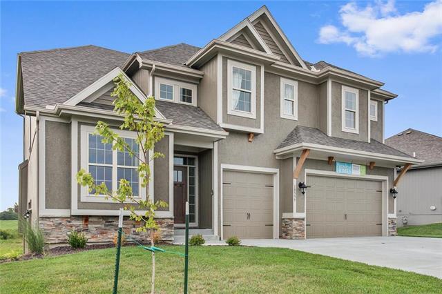 10559 N Randolph Avenue, Kansas City, MO 64157 (#2142158) :: No Borders Real Estate