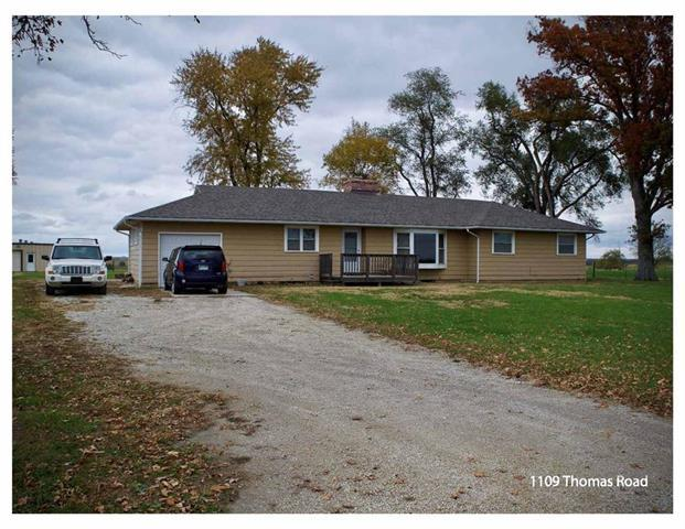 1109 Thomas Road, Pomona, KS 66076 (#2142174) :: Edie Waters Network