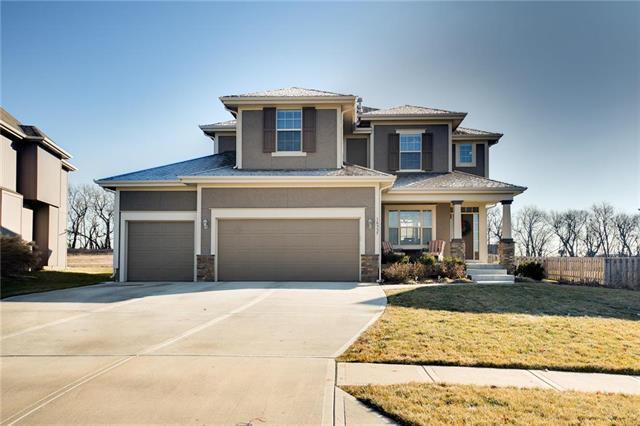 16557 S Parkwood Street, Olathe, KS 66062 (#2142333) :: Team Real Estate