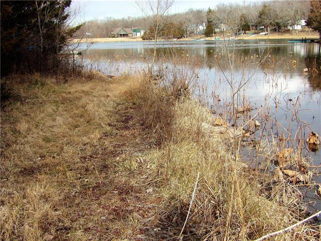 14 E Sugar Lake Cove, Mound City, KS 66056 (#2142353) :: No Borders Real Estate