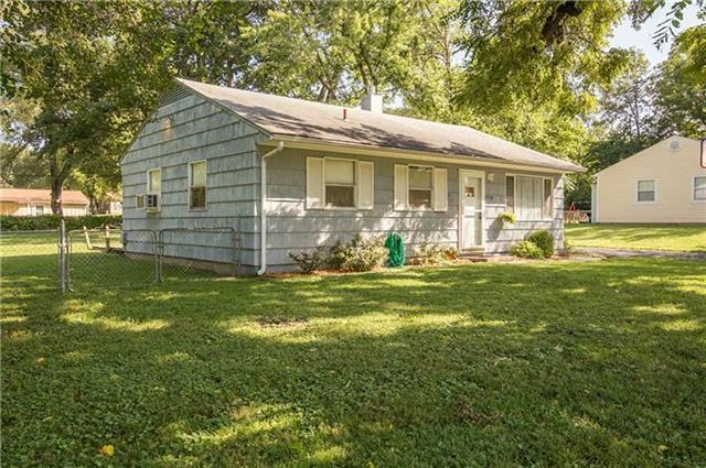 3722 Melody Lane, Kansas City, KS 66106 (#2142454) :: Edie Waters Network
