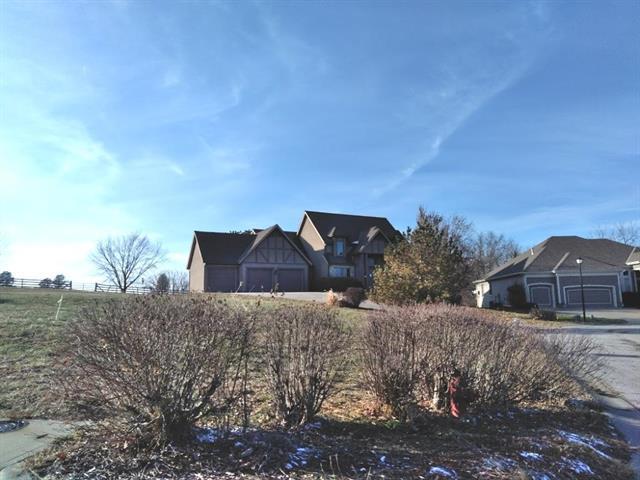 3204 N 128th Street, Kansas City, KS 66109 (#2142595) :: No Borders Real Estate