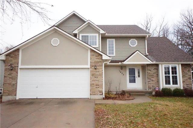1402 Kimberly Drive, Warrensburg, MO 64093 (#2142701) :: Edie Waters Network