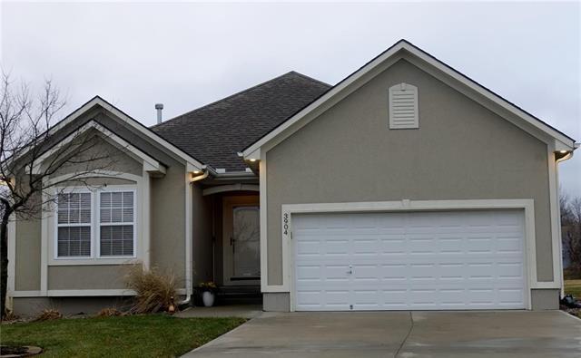 3904 NW Chapman Drive, Blue Springs, MO 64015 (#2142711) :: Edie Waters Network