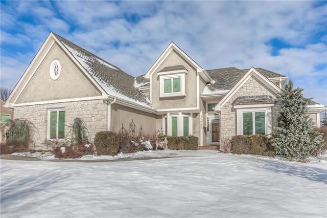 11715 Pennsylvania Avenue, Kansas City, MO 64114 (#2142738) :: House of Couse Group