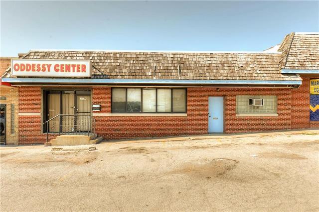 9101 E Us Hwy 40 Highway, Independence, MO 64055 (#2142766) :: Kansas City Homes