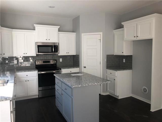 715 N Laurel Street, Gardner, KS 66030 (#2143087) :: No Borders Real Estate
