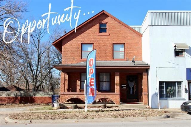 109 S State Street, Knob Noster, MO 65336 (#2143101) :: Edie Waters Network