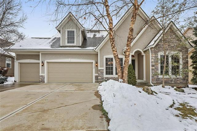 15525 Pawnee Street, Overland Park, KS 66224 (#2143128) :: House of Couse Group