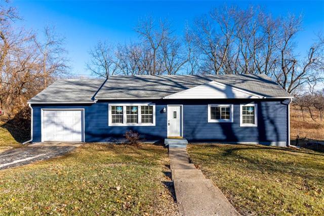 719 N 80TH Terrace, Kansas City, KS 66112 (#2143140) :: Edie Waters Network