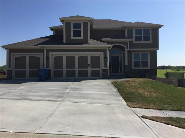 520 NW 110th Terrace, Kansas City, MO 64155 (#2143155) :: Dani Beyer Real Estate