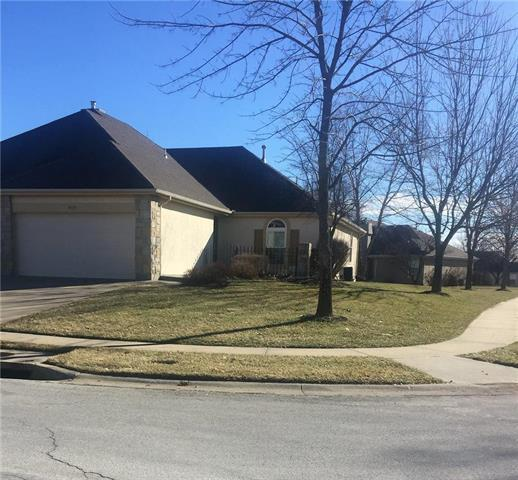 4135 SW James Younger Drive, Lee's Summit, MO 64082 (#2143255) :: No Borders Real Estate