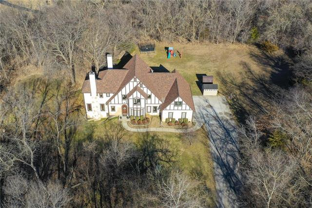 18012 NW Diamond Court, Parkville, MO 64152 (#2143298) :: Edie Waters Network
