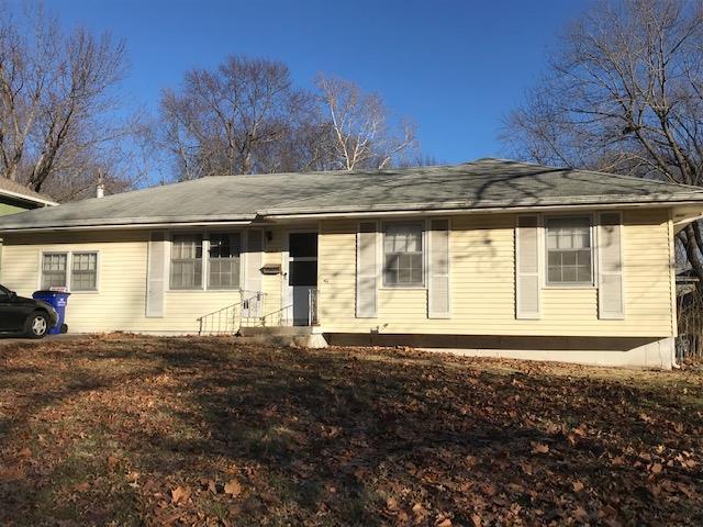 13217 Craig Avenue, Grandview, MO 64030 (#2143337) :: Edie Waters Network
