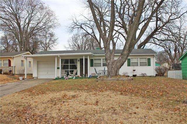 2741 S 52nd Street, Kansas City, KS 66106 (#2143483) :: No Borders Real Estate