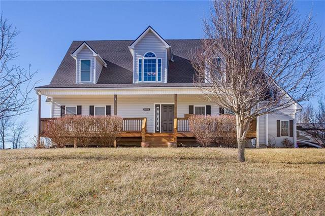 15516 Henry Andrews Drive, Pleasant Hill, MO 64080 (#2143487) :: Edie Waters Network