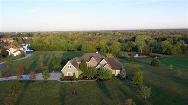 11990 S Arbor View Lane, Olathe, KS 66061 (#2143574) :: House of Couse Group