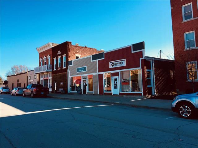 125 W Peoria Street, Paola, KS 66071 (#2143685) :: The Gunselman Team