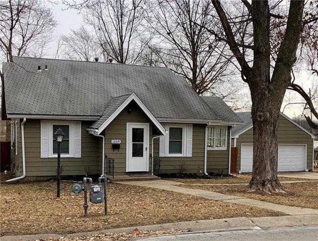 13319 15th Street, Grandview, MO 64030 (#2143690) :: Edie Waters Network