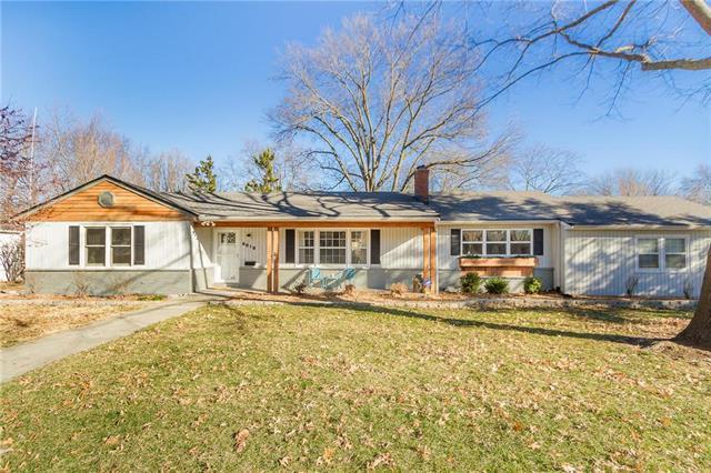 9819 Mercier Street, Kansas City, MO 64114 (#2143778) :: No Borders Real Estate