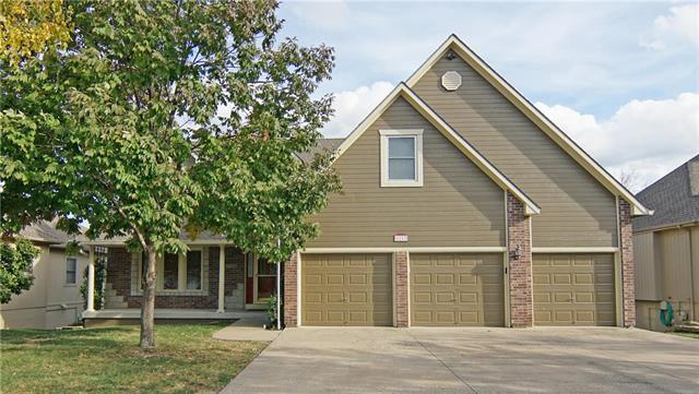 1113 SW Summit Hill Drive, Lee's Summit, MO 64081 (#2143877) :: Ask Cathy Marketing Group, LLC
