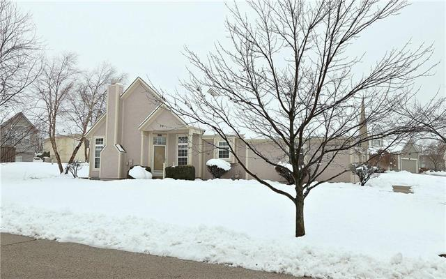 14838 Floyd Street, Overland Park, KS 66223 (#2143907) :: House of Couse Group