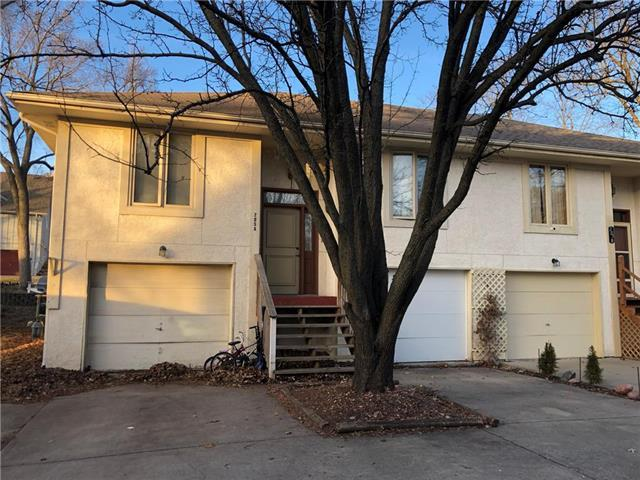 205 SW Pryor #A Road A, Lee's Summit, MO 64081 (#2143928) :: No Borders Real Estate