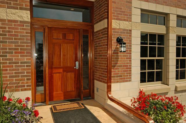 4911 Wyandotte Street, Kansas City, MO 64112 (#2143980) :: House of Couse Group