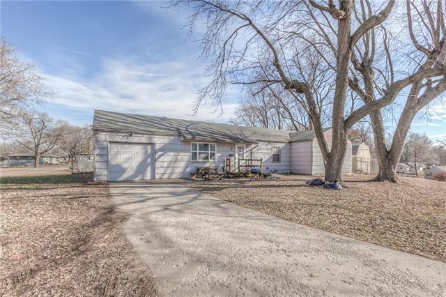 2837 N 47th Place, Kansas City, KS 66104 (#2144017) :: Edie Waters Network