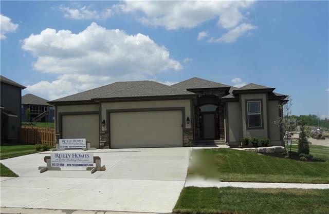 830 Canyon Lane, Lansing, KS 66043 (#2144153) :: House of Couse Group