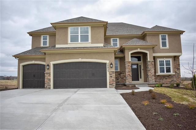 21601 W 93rd Terrace, Lenexa, KS 66220 (#2144202) :: House of Couse Group