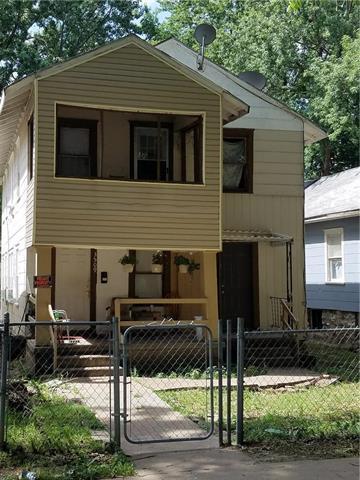 3509 Roberts Street, Kansas City, MO 64124 (#2144223) :: The Gunselman Team
