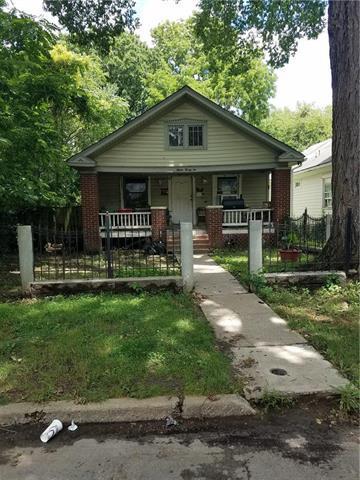 1521 Lawn Avenue, Kansas City, MO 64127 (#2144295) :: Edie Waters Network