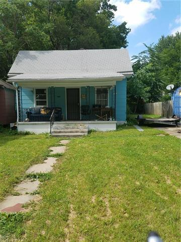 3838 Thompson Avenue, Kansas City, MO 64124 (#2144312) :: Edie Waters Network