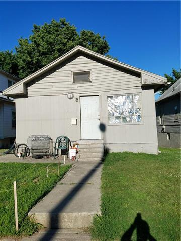 1023 Spruce Avenue, Kansas City, MO 64127 (#2144321) :: Edie Waters Network