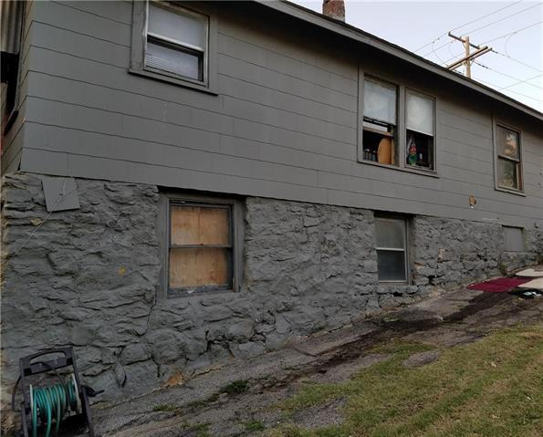 1410 Hardesty Avenue, Kansas City, MO 64127 (#2144331) :: Edie Waters Network