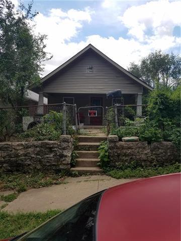 6837 E 13th Street, Kansas City, MO 64126 (#2144335) :: The Gunselman Team
