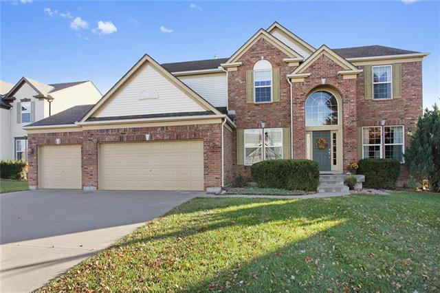 23709 W 94 Terrace, Lenexa, KS 66227 (#2144425) :: House of Couse Group