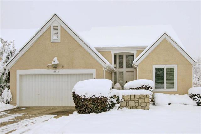 11974 Connell Drive, Overland Park, KS 66213 (#2144534) :: Edie Waters Network