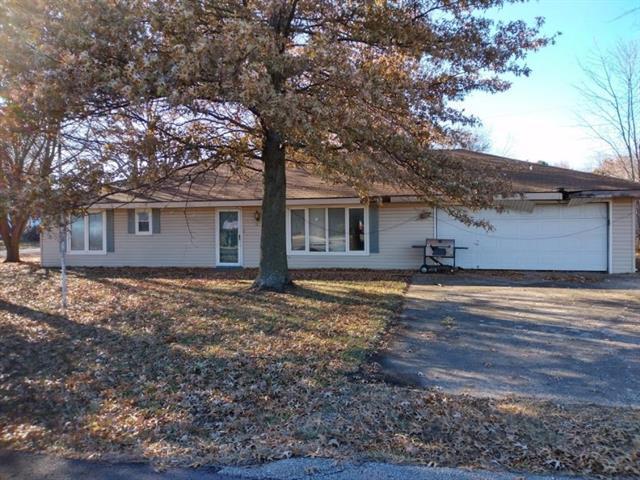 902 N Metcalf Terrace, Louisburg, KS 66053 (#2144549) :: Kansas City Homes