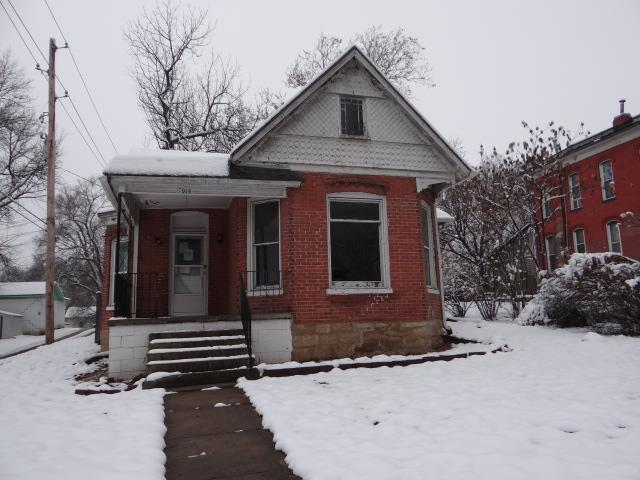 913 N 10 Street, Atchison, KS 66002 (#2144581) :: The Shannon Lyon Group - ReeceNichols